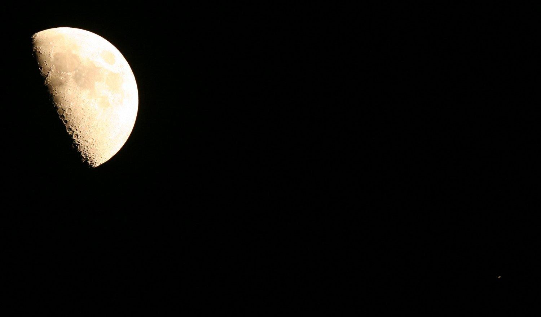 2018-09-17-lune-saturne-fsq106-350d-ps.j